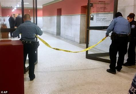 shoots himself in in interrogation room minneapolis cops shoot in interrogation room daily mail