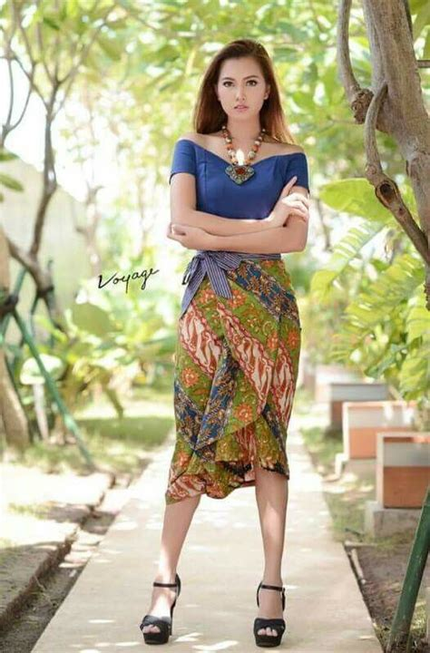 Setelan Kebaya Rok N Blouse Batik Sabrina Etnic 1000 images about batik indonesia on batik dress indonesia and kebaya