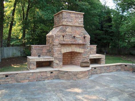 Veneer Outdoor Fireplace by Outdoor Living Brick Veneer
