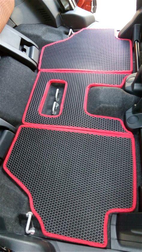 jual karpet mobil toyota sienta  fullshet  lapak