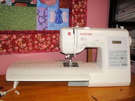 Singer Sewing Machine Patchwork - 25 best ideas about machine singer on tables