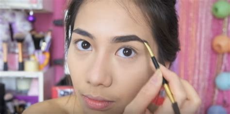 Eyeshadow Untuk Pesta cara makeup sendiri ke pesta dengan mudah dan cantik
