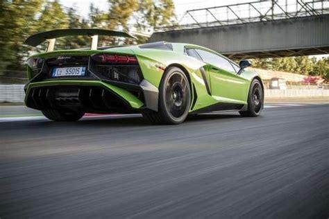 Lamborghini Spr Che by 171 Windger 228 Usche Bei 330 Km H 187 10 Lustige Spr 252 Che In Auto Foren