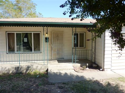 Homes For Sale In Lodi Ca by 1636 S Sacramento St Lodi Ca 95240 Foreclosed Home