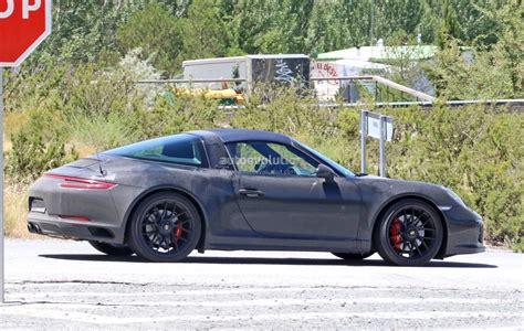 porsche black 2017 2017 porsche 911 targa gts revealed in spyshots with black