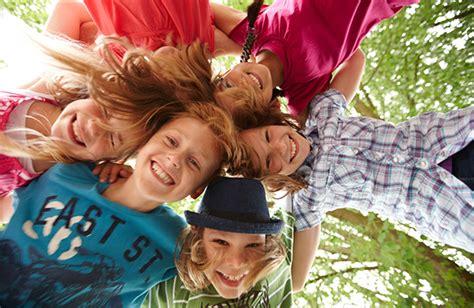 giochi da fare in casa in tre tre cose da fare con i bambini il pomeriggio dopo la scuola