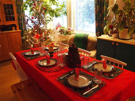 christmas dinner table file christmas dinner table 5300036540 jpg wikimedia
