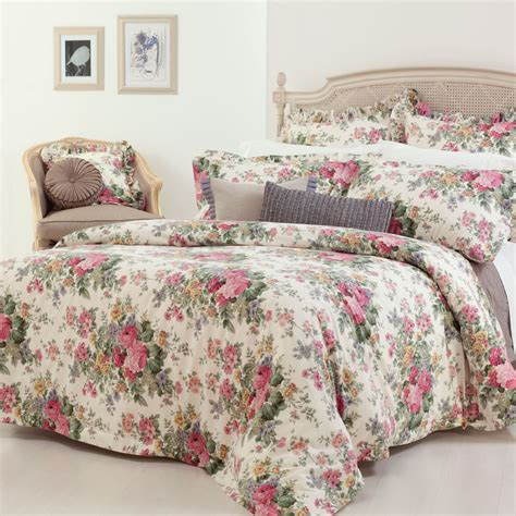 Quilts Covers by Gainsborough Rosewood Floral Quilt Cover Set