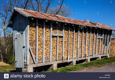 Corn Crib Pictures by Corn Crib On A Farm In Lancaster County Pennsylvania Usa Stock Photo Royalty Free Image