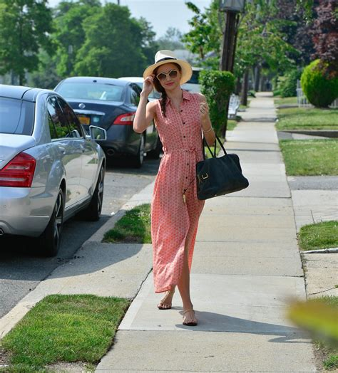 fashion trends celebrity style outfit ideas glamour celebrity style vacation outfit ideas glamour