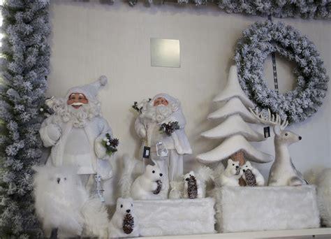 addobbi natalizi da appendere al soffitto noleggio e vendita di addobbi natalizi per negozi turate