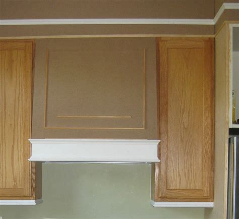 Kitchen Cabinets With Molding Adding Moldings To Your Kitchen Cabinets Remodelando La Casa