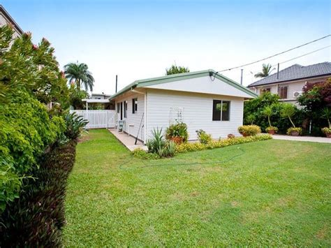 boat club redcliffe qld 59 fernlea avenue scarborough qld 4020 property details