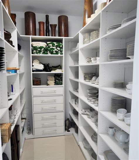 moderne speisekammer modern pantry contemporary kitchen miami by armadi
