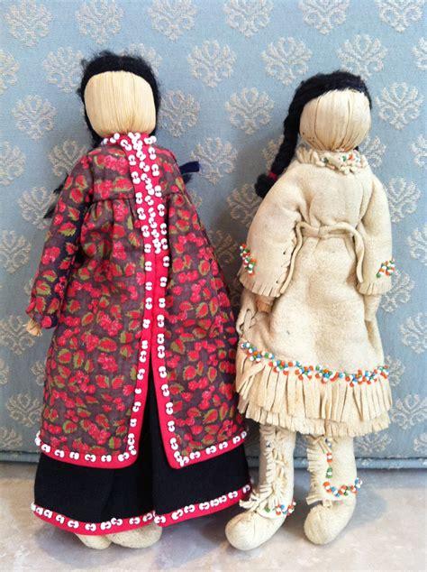 traditional corn husk doll iroquois corn husk dolls senecca in calico and