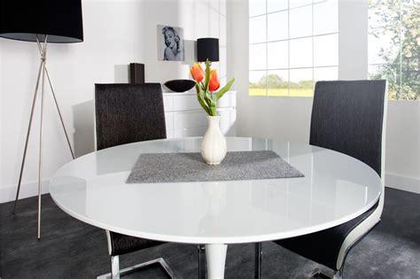 Attrayant Table De Salle A Manger En Verre Avec Rallonge #8: Table-De-Cuisine-En-Verre-Avec-Rallonge-Galerie-Et-Salle-Manger-Moderne-Avec-Table-Images.jpg