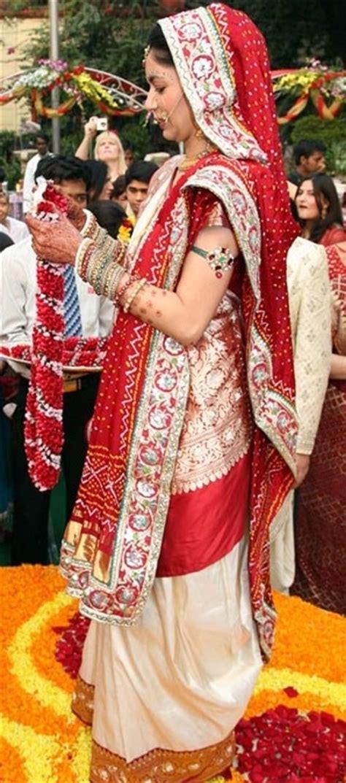 Sneakk Into Guja I Bridal Dress  Ee  India Ee  S  Ee  Wedding Ee   Blog