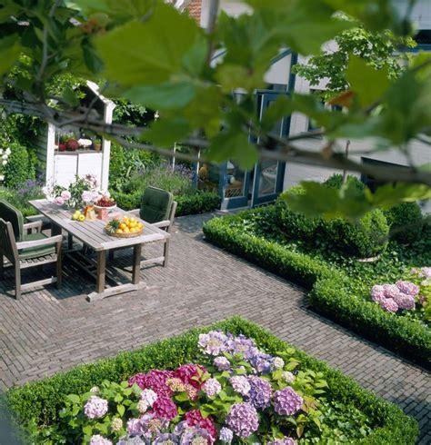 courtyard gardens     wow factor  year