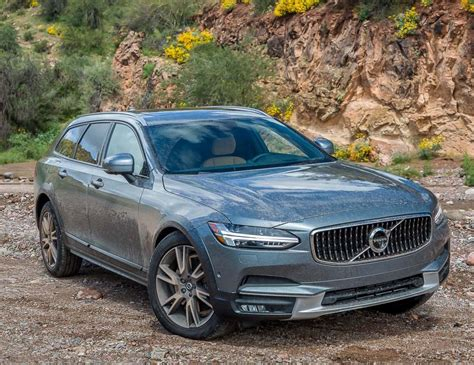 volvos    cross country  brings  ultimate luxury station wagon drive