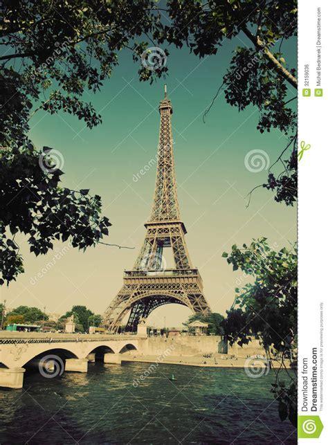 imagenes retro de la torre eiffel eiffel tower and seine river in paris france vintage