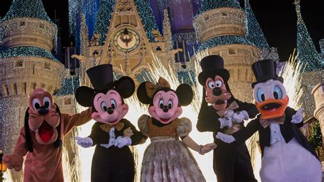 disney new year spend new year s with us disney parks