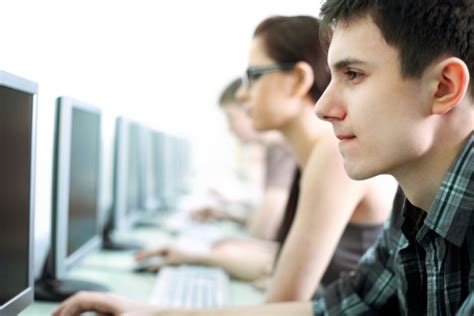 turn your computer skills into a high paying career accredited colleges