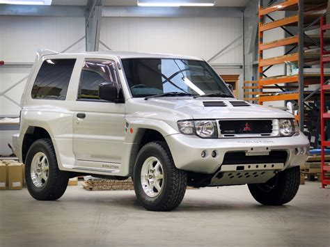 pajero mitsubishi 1998 1998 mitsubishi pajero evolution has a cool to tell