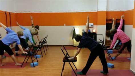 imagenes de yoga para tercera edad yoga para la tercera edad aranda yoga