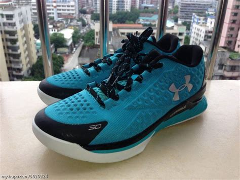 Sepatu Basket Armour Curry Two Low Usa Home armour curry low blanc or