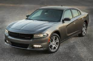 2015 dodge charger sxt awd front three quarter view photo 4