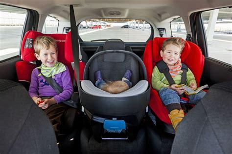 3 Kinder Neues Auto by Bild 1 15 Ratgeber Triotauglich Drei Kindersitze Im