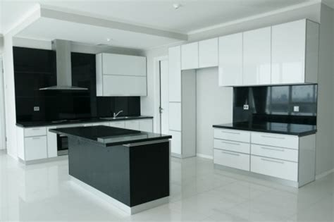 twin  aluminium pantry minimalis  acp putih