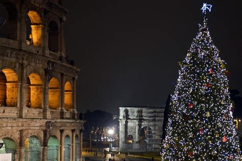 rome italy photos christmas decorations around the