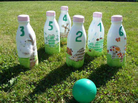 jeu de decoration de maison jeu de quilles avec bouteilles de lait bricol et