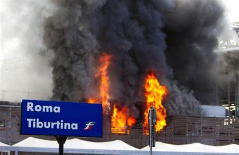 piove sul bagnato significato roma incendio in via tiburtina news leonardo it
