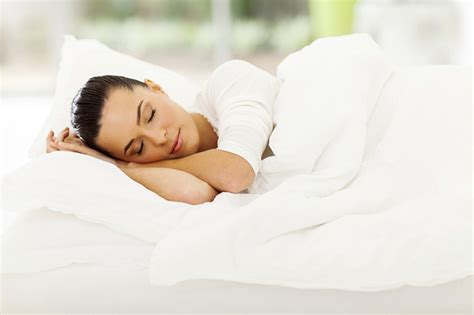 how to sleep comfortably on your back reduce back pain by sleeping position upmc healthbeat