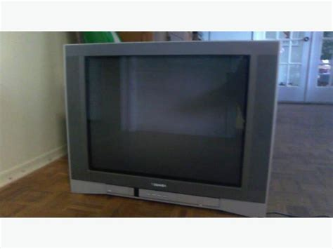 Tv Toshiba Flat 21 Inch free 27 in toshiba flat screen crt tv saanich