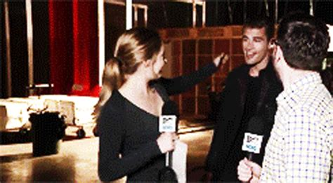 why theo james doesnt want to be defined by divergent 7 reasons you want shailene woodley to be your new bff