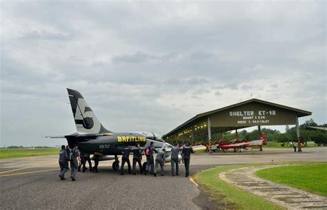 jat kedatangan tamu breitling jet team strategi militer