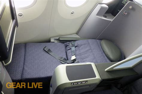 united boeing  dreamliner lie flat seats united  dreamliner interior full size image