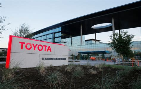 toyota moving to plano tx moving day toyota s transition starts as employees check