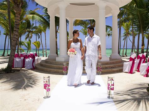 barcelo bavaro palace deluxe wedding pictures 7 happily after southern and caribbean destination