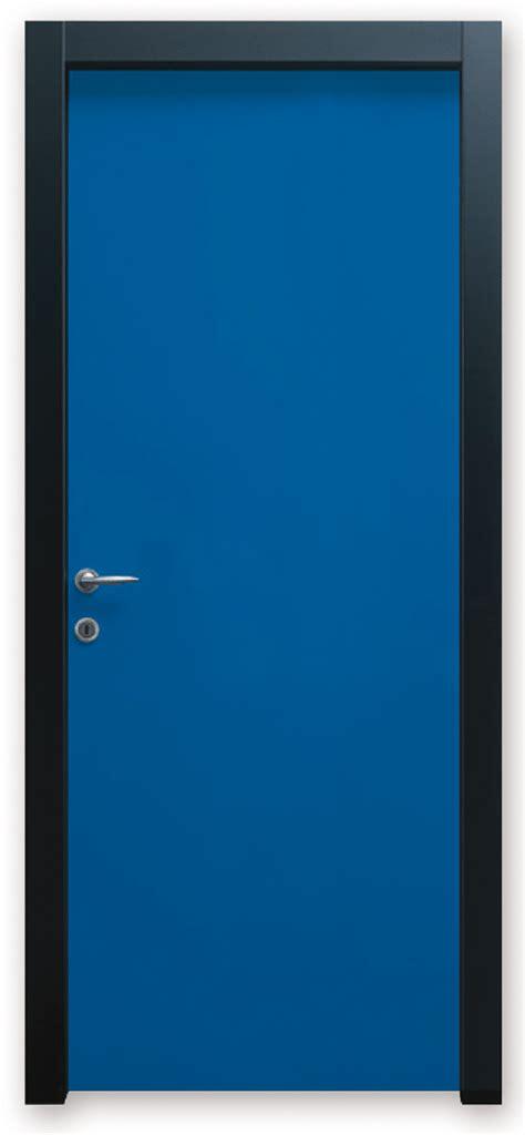 porte colorate per interni prezzi porte in legno colorate per interni parquet