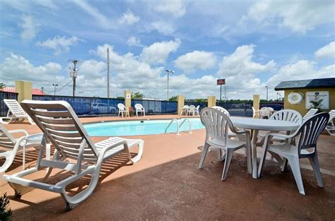best western athens best western athens inn deals reviews huntsville and