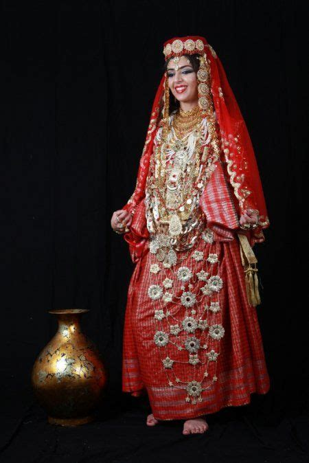 vetement traditionnel tunisienne robe berbere tunisienne traditional berber clothes
