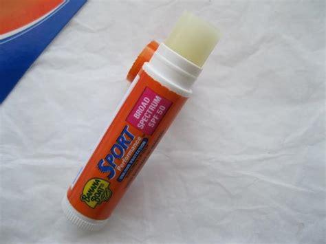 banana boat sunscreen lip balm review banana boat sport performance sunscreen lip balm review