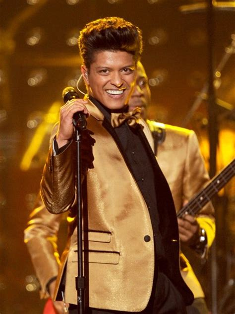 bruno mars superbowl performance mp3 download bruno mars performs at the 2012 grammy awards capital