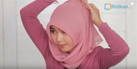 tutorial hijab segitiga mudah tutorial hijab paris segitiga mudah dan cantik