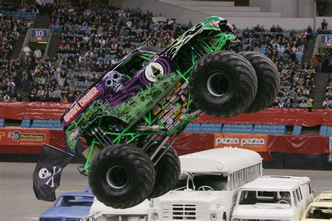 monster truck race grave digger monster truck 4x4 race racing monster truck