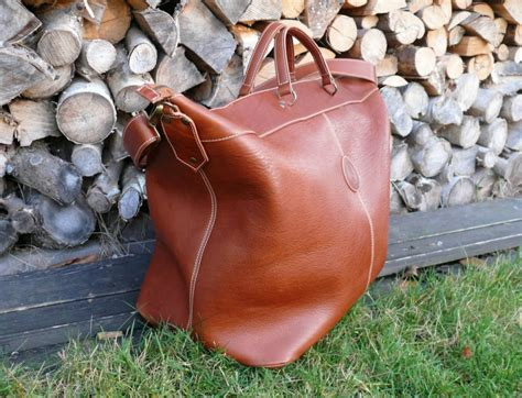 SOXISIX TRAVELER BAG VZ.37/LEATHER/PONCHO COIVO : Soxisix?   Highest quality handmade leather